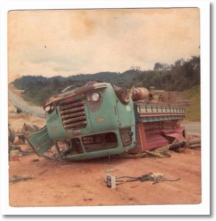 0017 Acidente BR 116 em 1976 fnm 61, proprietário João borracheiro