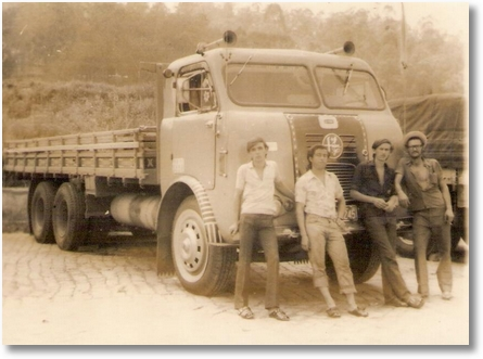 FNM 1962- Clemente Costa Filho, Nelson Calegarin e de chapéu Adir Costa (Ade) Proprietário em Aparecida do Norte