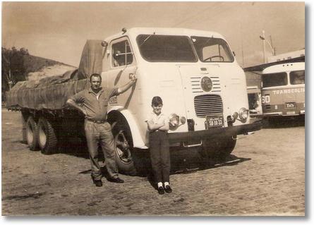 FNM 1968 V17 - Este caminhão foi transformado em 4º eixo