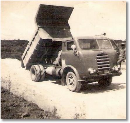 FNM Caçamba 1960 - Motorista Melância