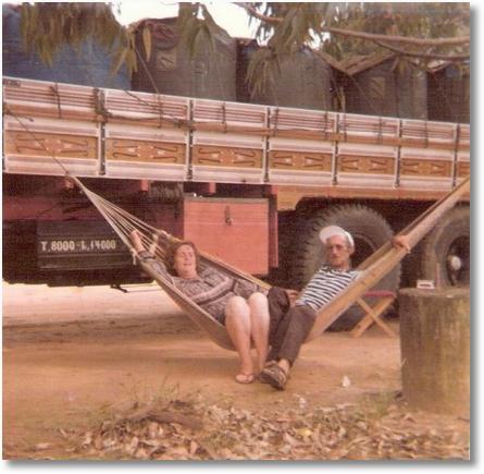Irineu e Deolinda - Esperando carga em Cabo Frio