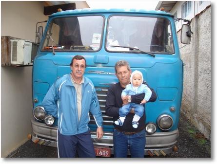 Ito Buhrer e Aroldo com Eduardo no colo (Neto do Ito) - FNM 180