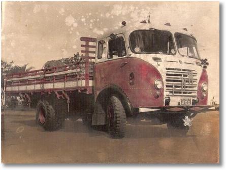 Ivo Macedo (Genesio) FNM D9500 1957 carregado com o truk de arrasto