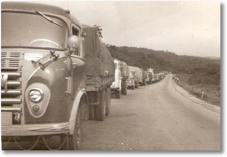 Nene Pichorim Caminhões esperando horário para descer a Serra da Graciosa-PR nesta epoca tinha horario para subir e descer