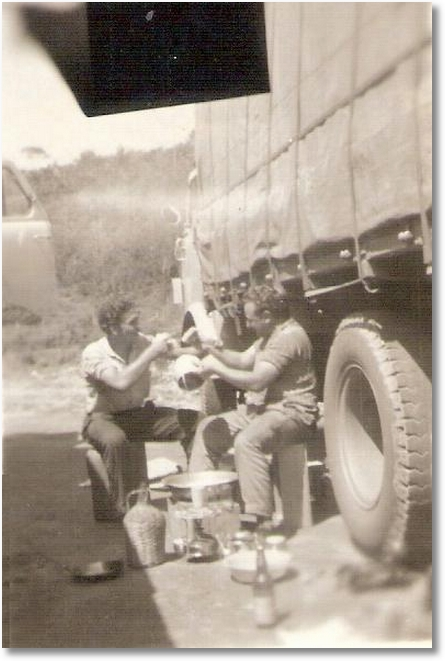 Ari Cardozo e Nene - Fazendo almoço em 1965