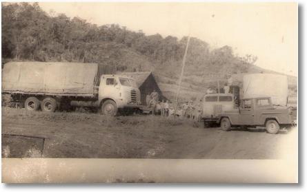 Caminhões FNMs madeireiros - Sem origem definida