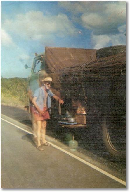 FNM 61 - Proprietário Kurtz - Zeno fazendo um peixe na Rio-Bahia - Viagem de Curitiba para Olinda em 1974