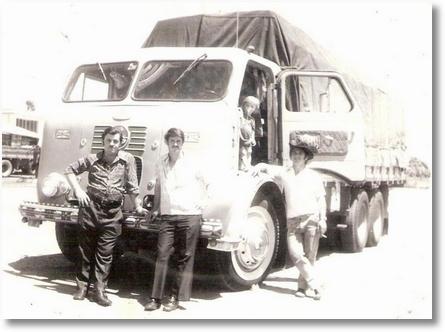 FNM 68 - Proprietário Osvaldo Valaski (Em memória) Motorista Altevir Chaves de chapéu (em memória) ao centro Mosquito e ao lado esquerdo Nelson
