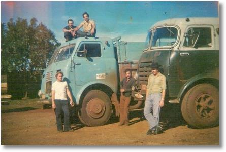 FNM BRASINCA 1956 e Stander 1958 - Motorista João Fagundes Machado de chapéu - Maringá PR 13-06-1974