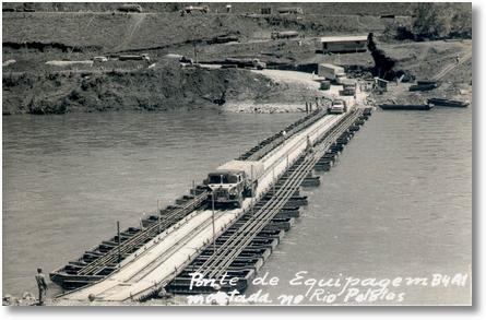 04 FNMs cruzando Rio Pelotas - Decada de 60