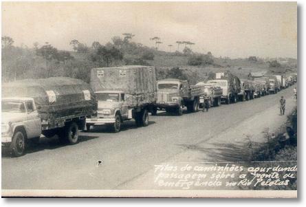 05 FNMs cruzando Rio Pelotas - Década de 60