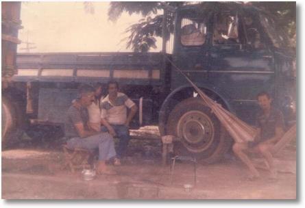 FNM 180 ano 75 em Guarani de Goias em 1980 - Auro Federoski, Regiane Pilotto e na rede José Pilotto