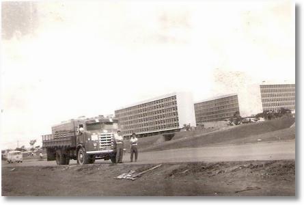 FNM 57 - Brasilia em 1960 - Lourival da Silveira (Lula)
