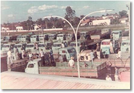 Arapongas PR em 1967 - Greve por melhores estradas. Antonio MAoski (Tinindo)