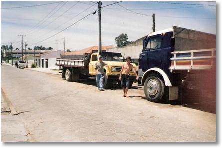 Ao lado do FNM 58 Lourival dos Santos (Lori) S+úo Jos+® dos Pinhais em 1978
