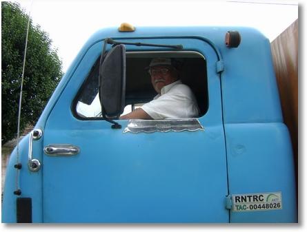 Sebastiao Stroparo;FNM66 proprietario desde 1969 ainda trabalha puxando açucar do Norte do Parana