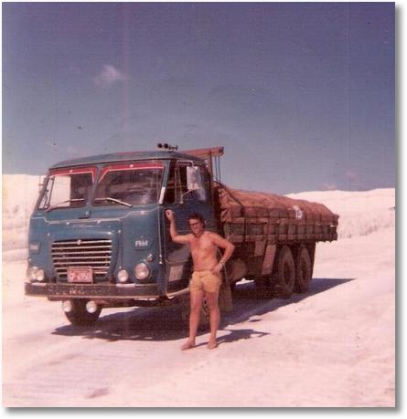 FNM 180-74 - Prop. João Luiz Camargo - Foto nas Salinas no Rio Grande do Norte em 1981