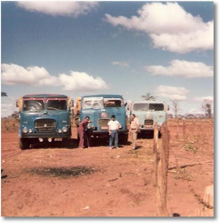 FNM 180-75 - Prop. João Luiz Camargo - FNM 63 Prop. Zeno e FNM 66 Prop. Gustavo Pacheco no Chapadão do Céu-GO em 1981