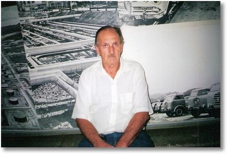 Paulino Bortolan proprietario de um Fnm 63 em visita ao museu em Brasilia